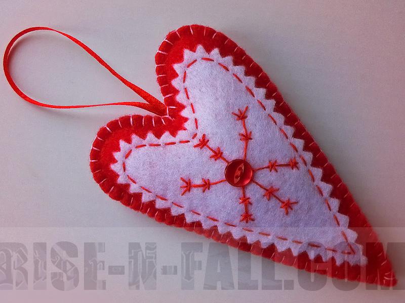 подвеска сердце тильда из фетра